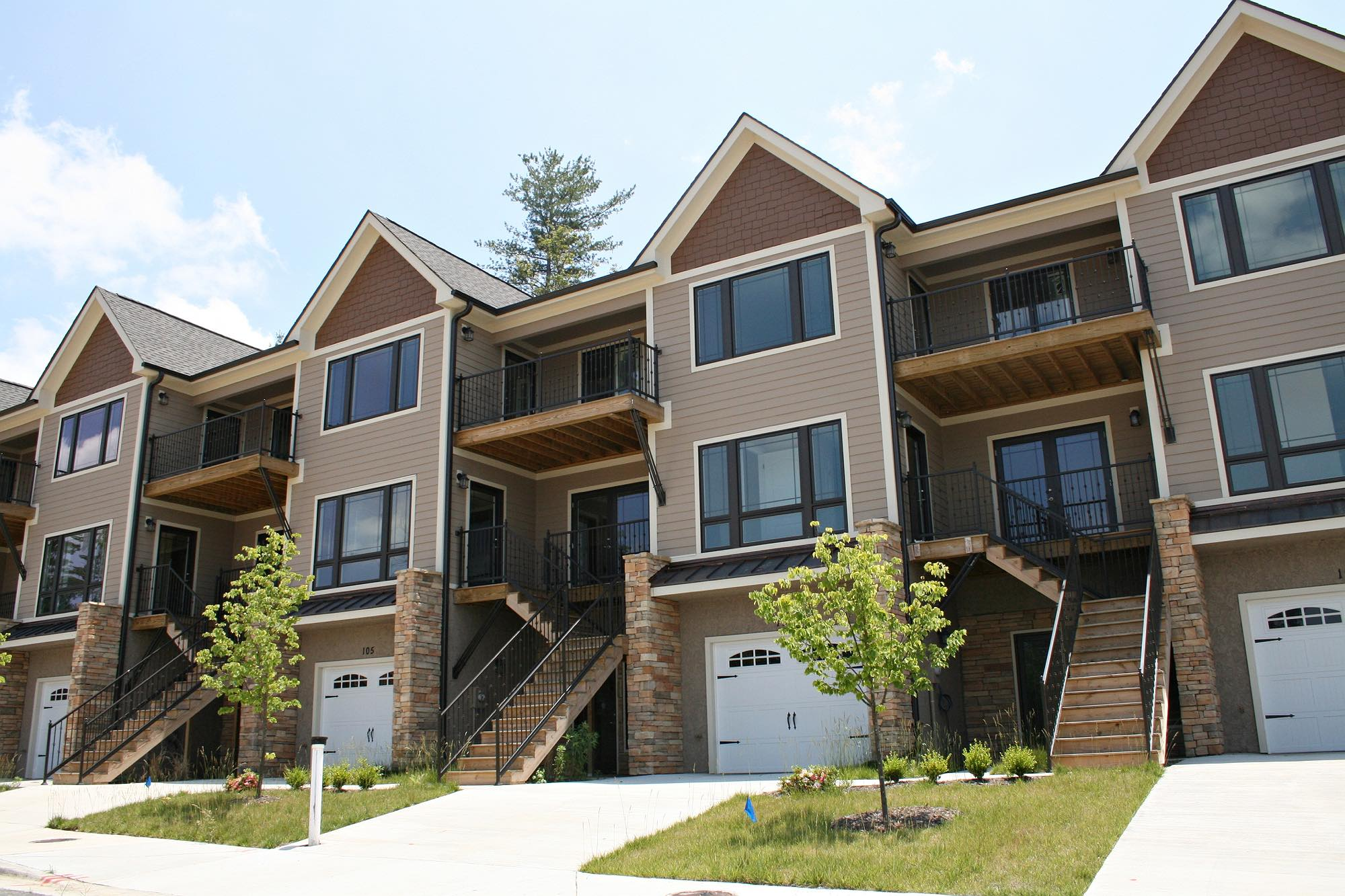 Cowichan Valley townhouses and condos for sale